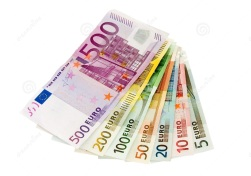 euro-banknotes-five-up-to-five-hundred-1270341